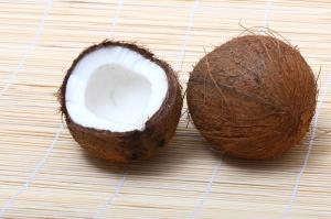 Coconut Oil HCG Phase 3 Health benefits coconut halves